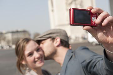 L'appareil photo aux  Champs Elysées - Paris