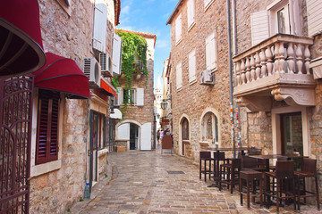 Keuken foto achterwand Smal steegje view narrow street in old district of Budva, Montenegro