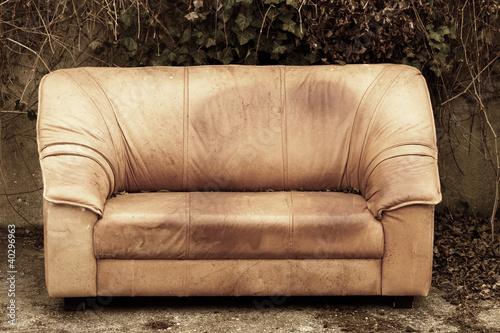 altes sofa stockfotos und lizenzfreie bilder auf bild 40296963. Black Bedroom Furniture Sets. Home Design Ideas