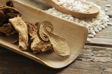 Funghi secchi Dried mushrooms