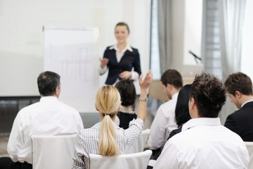 Obraz business woman giving presentation - fototapety do salonu