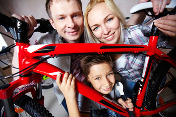 Family with mountain bike