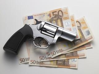 Euro  e Pistola