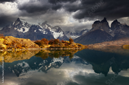 Wall mural Sunrise in Torres del Paine National Park