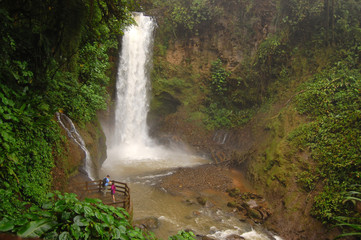 Magia Blanca, Waterfall Gardens - La Paz