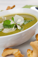 Pea And Rocket Soup