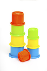 toy cup pyramids