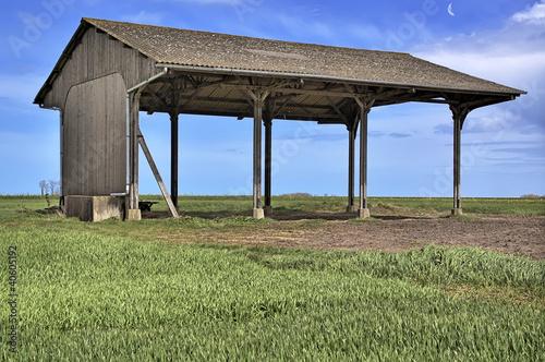 hangar agricole photo libre de droits sur la banque d 39 images image 40605192. Black Bedroom Furniture Sets. Home Design Ideas