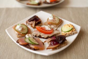 kanapka mięso szynka kiełbasa polędwica przystawka catering