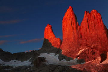 Wall Mural - Torres del Paine at sunrise, Patagonia, Chile