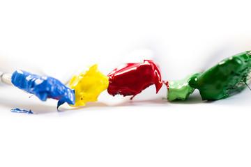 5 farbige Pinsel