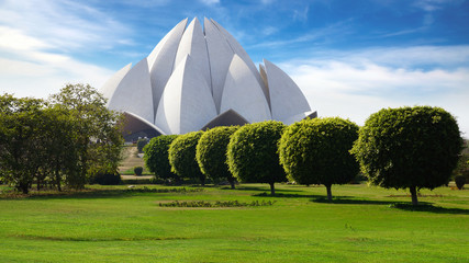 Photo sur Aluminium Delhi Picturesque landscape with Lotus Temple. New Delhi