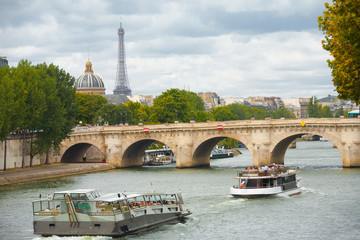 Paris Cruise Boats Seine Eiffel Tower