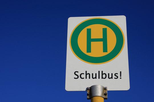 Haltestellenschild Schulbus