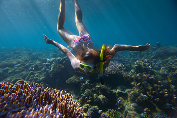 Wall Mural - Woman over reef