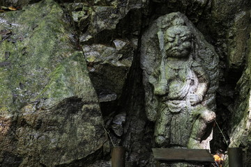 山の像 ( A statue of a mountain)
