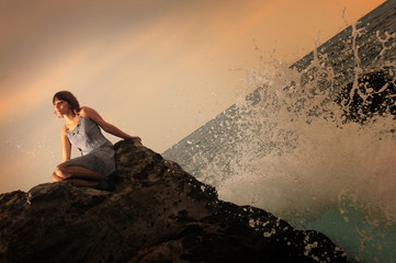 Femme au bord de mer