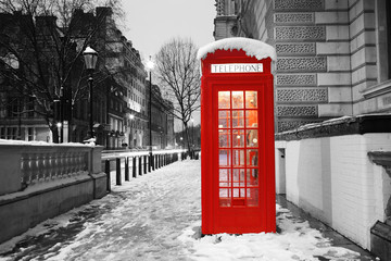 Spoed Fotobehang Rood, zwart, wit London Telephone Booth