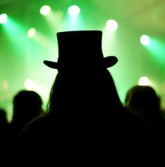 concert homme chapeau