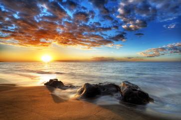 Coucher de soleil sur les plages de St-Paul, La Réunion.