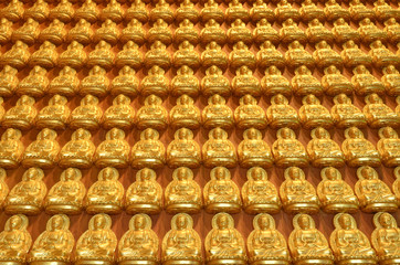 Gold Buddha statues in Thai temple