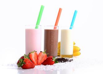 Foto auf Gartenposter Milch / Milchshake Erdbeere Schoko und Bananenshake