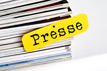 Zeitungsstapel Presse