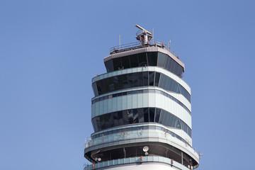 Flugverkehrskontrollturm