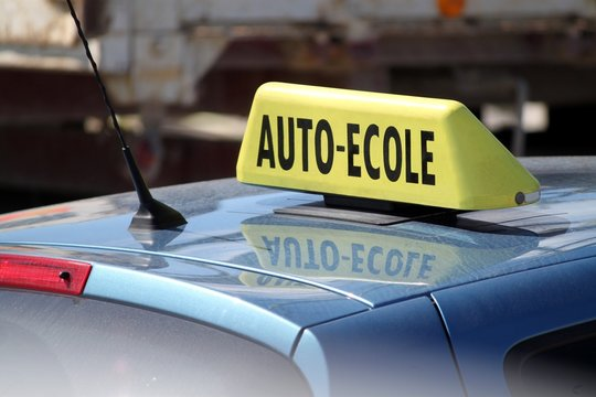 Panneau de toit ' auto-école '