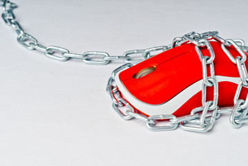 Pc mouse in chains.