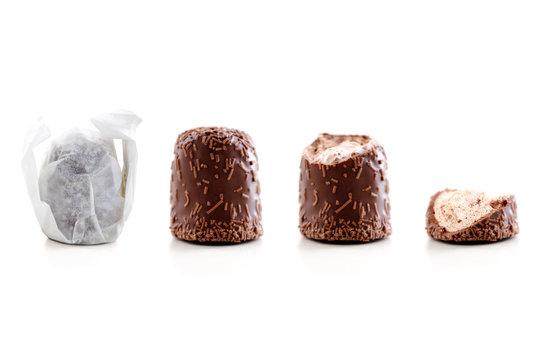 Chocolate marshmellow eaten steps
