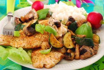 grilled chicken breast with zucchini and mushrooms