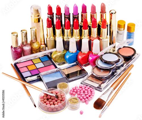 Купить декоративную косметику украина