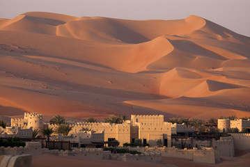 Keuken foto achterwand Zandwoestijn Abu Dhabi's desert dunes