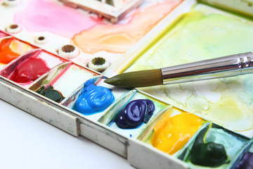 watercolor palette and Paintbrush