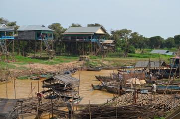 Vista de la aldea flotante de Kompong Pluk. Lago Tonle Sap