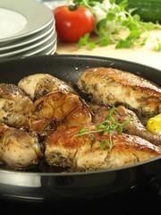 Chicken and garlic, closeup