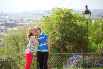Young tourists in Paris, on the Montmartre hill