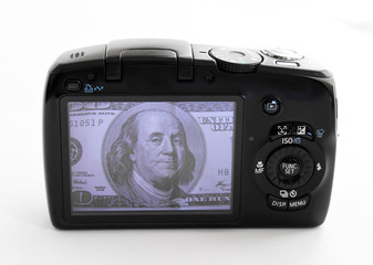 shot of 100 dolars on camera display
