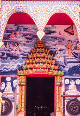 The golden door of the Thai temple architecture is marvelous pai