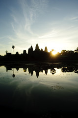 angkor wat sunrise, vertical, siem reap, cambodia