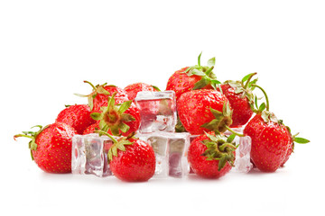 Foto op Canvas In het ijs strawberries