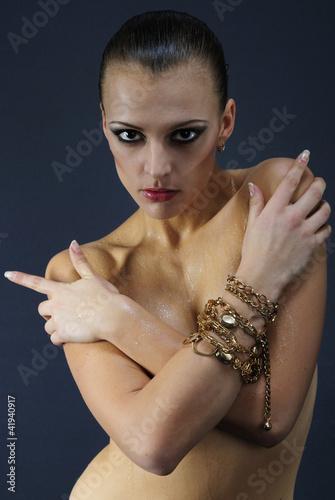 Beautiful Nacked Girl Model With Wet Body