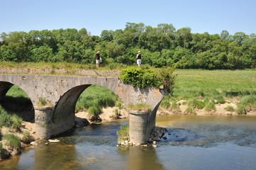 Sur le Pont de la Roque 4