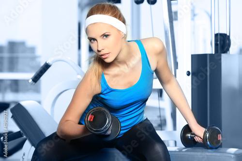 Комплекс упражнений для мужчин в тренажерном зале для