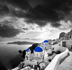 Foto op Plexiglas Santorini Santorini with Traditional Church in Oia, Greece