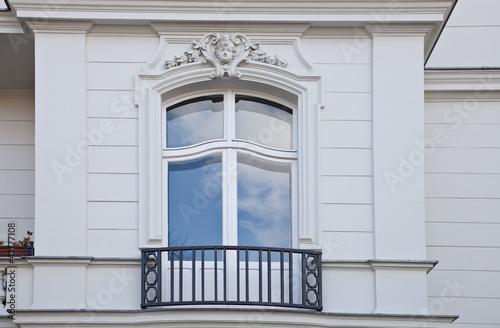 franz sischer balkon villa stockfotos und lizenzfreie bilder auf bild 42177108. Black Bedroom Furniture Sets. Home Design Ideas