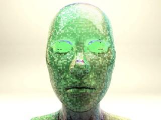 Androide volto maschera