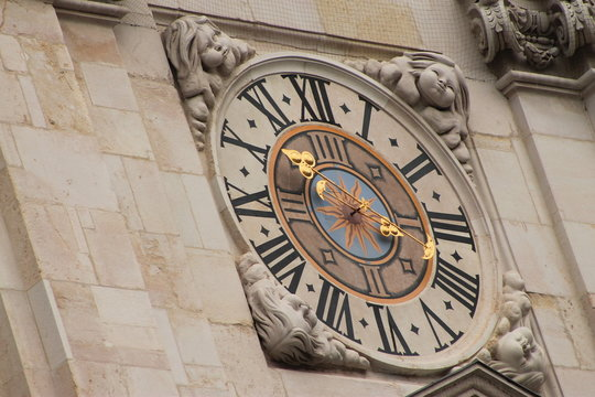 Uhr am Salzburger Dom