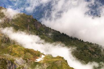 montagne e nebbie